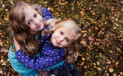 Autumn Days. A Bedfordshire family photoshoot with all the colour and cuddles