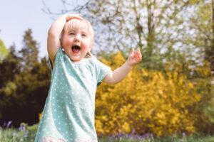 girl at Stotold Fairfield Park family photoshoot