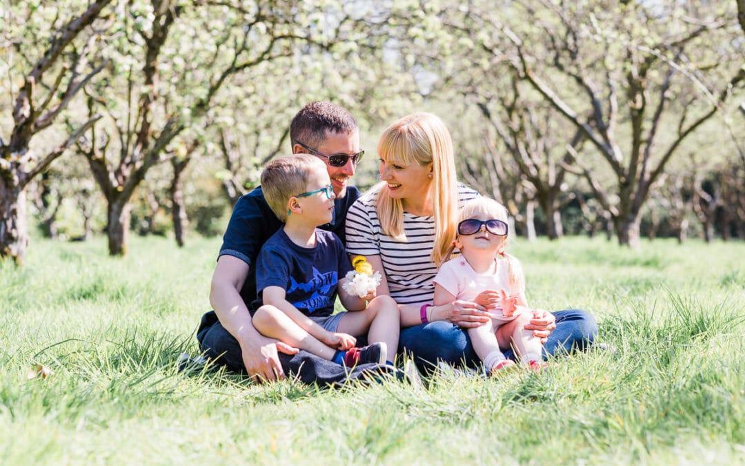 Sunny outdoor family photoshoot in Stotfold