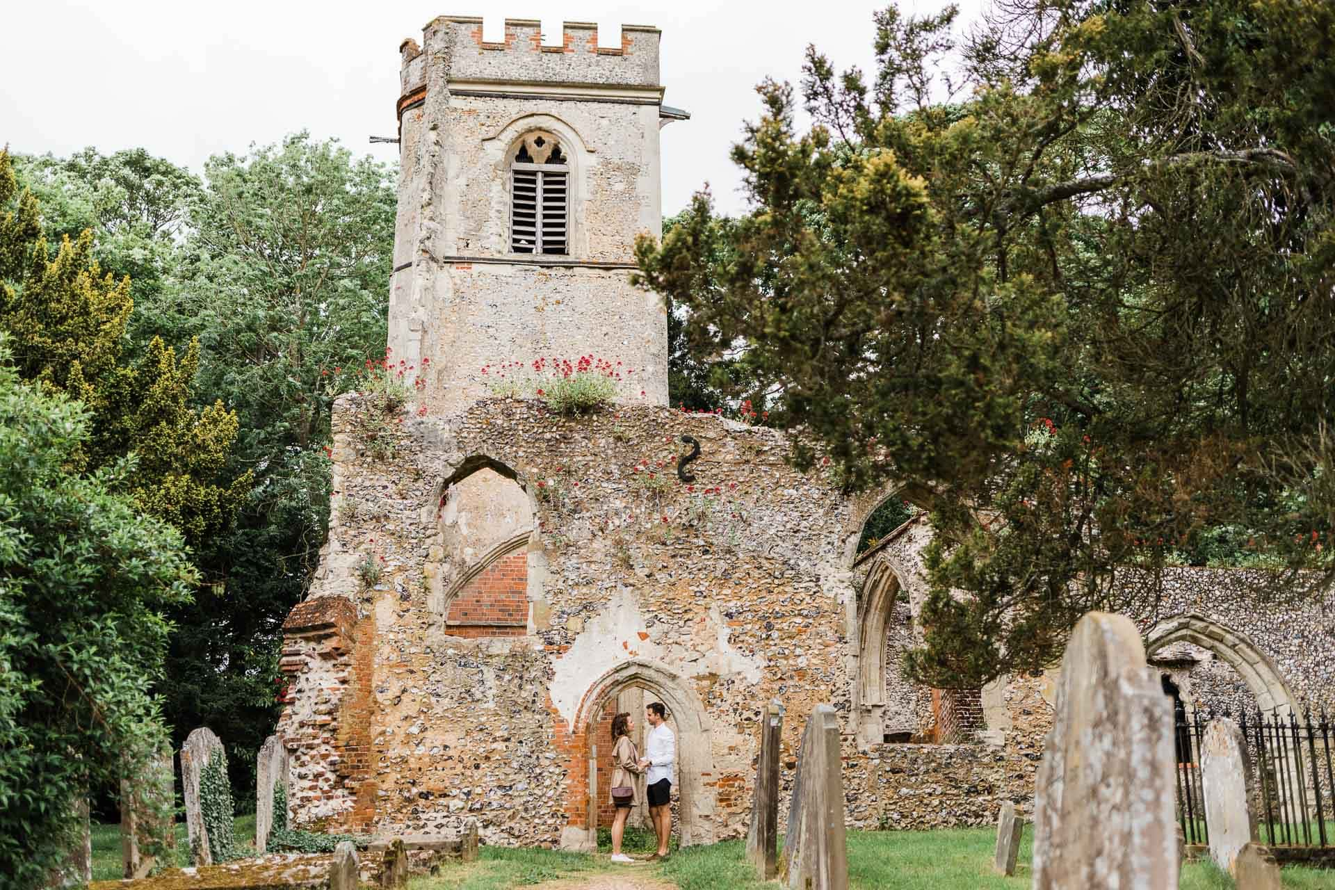 engagement shoot at ruined church