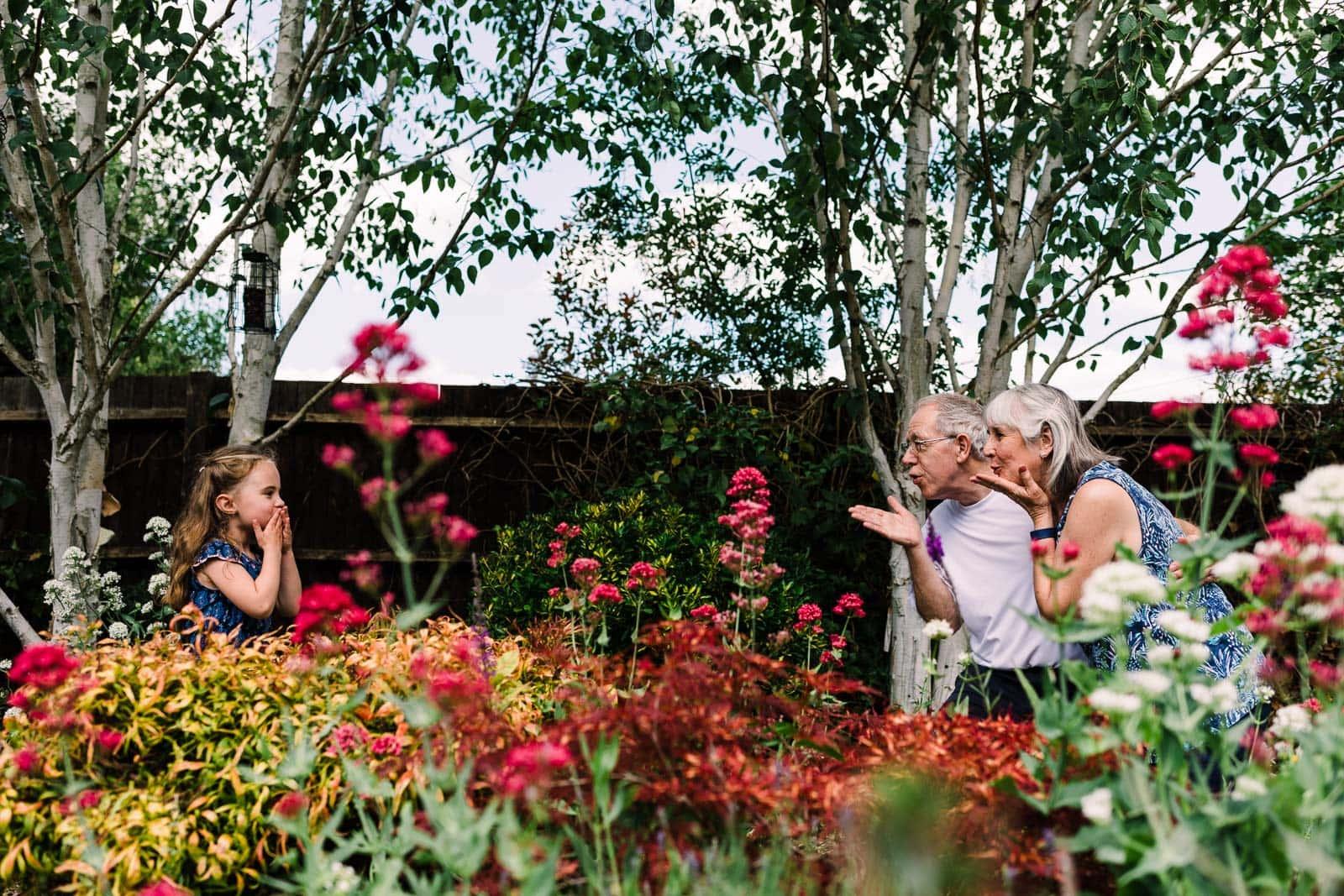 lockdown air kisses to grandparents